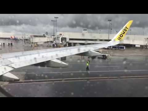 Spirit Airlines Airbus A320 Rainy Takeoff From John Glenn Columbus Int'l Airport (KCMH) - 5/3/19
