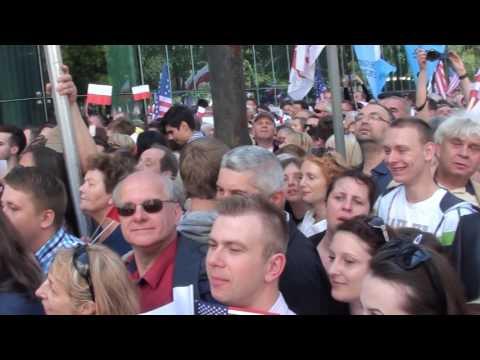 Okrzyki pod adresem posłów PO - Grabiec! Komuna! Złodzieje! podczas wizyty D.Trumpa w Polsce 6.07.17