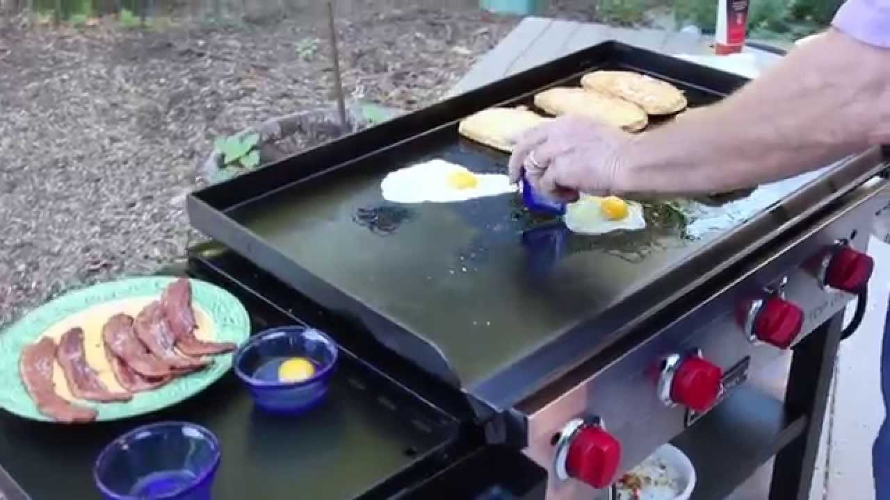 How To Cook Breakfast On The Flat Top Grill Youtube