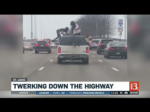 Mix Mornings with Laura Diaz - VIDEO: Women Twerking On TOP Of Moving Car