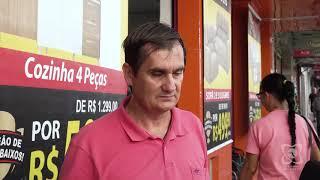 Carlos Trigo fiscaliza piso tátil da Rua Amando