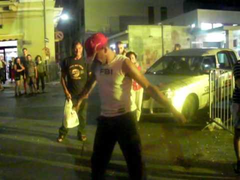 TONY DANCE A SANTO SPIRITO CON RADIO BARI.MP4
