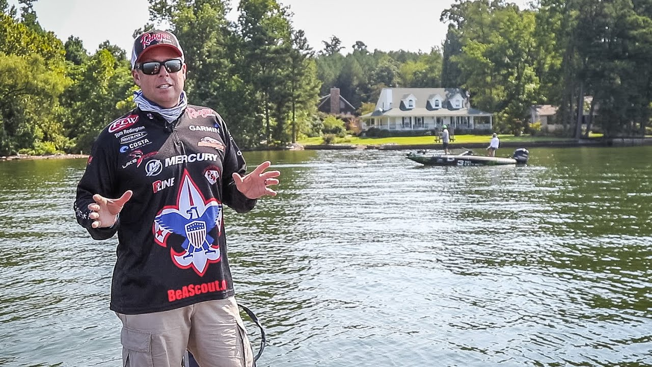 Michael neal catching a ton of fish on wheeler lake youtube for Wheeler lake fishing report