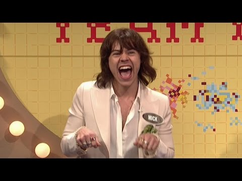 Harry Styles Impersonates Mick Jagger & Has Beard Malfunction In EPIC SNL Sketches