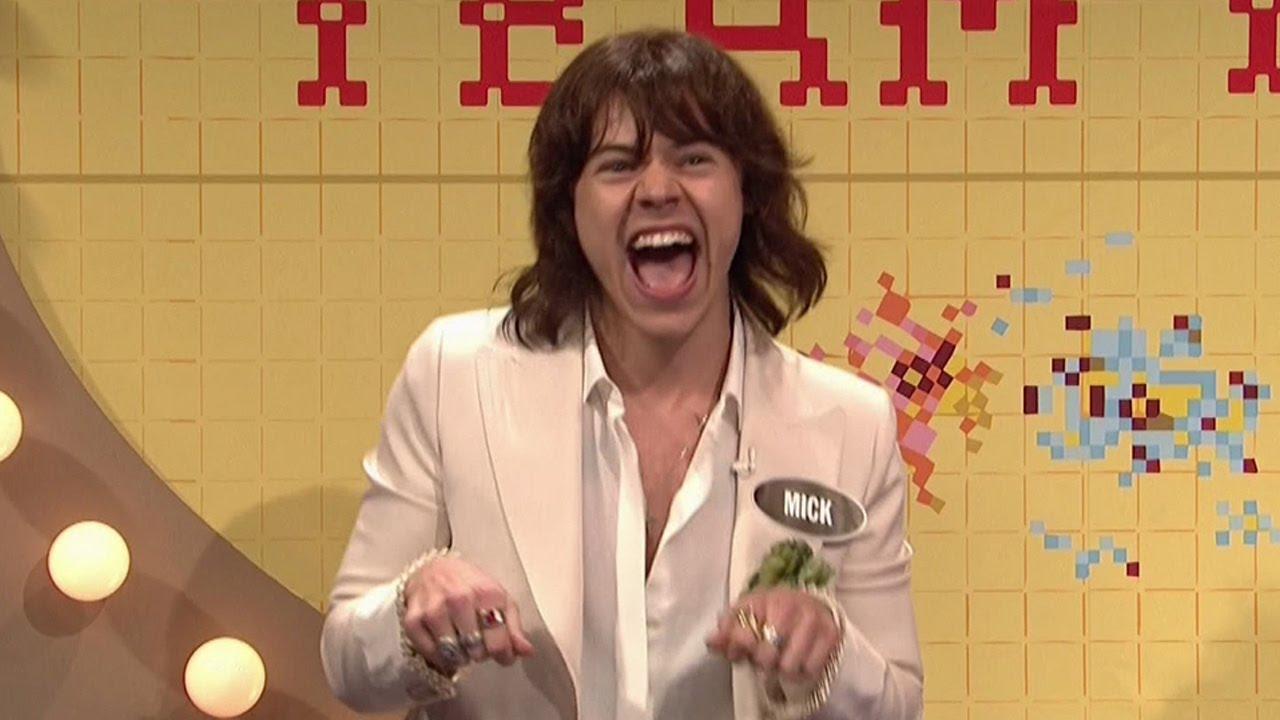 Niall Horan & Scarlett Johansson Appear As Legendary '70s Hot ...