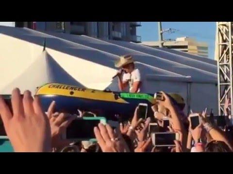 Dustin Lynch surfing ACM Party Las Vegas / April 2, 2016