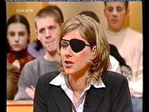 Sonya deville aus nazi-mädchen