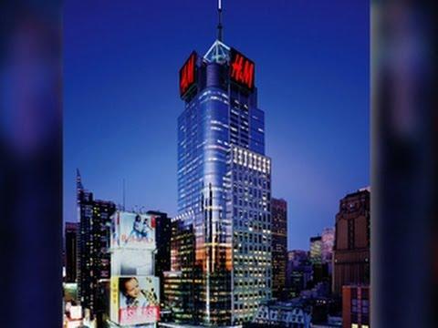 H&M billboard stirs skyline controversy in NYC - YouTube