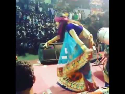 Kinjal Dave Desi Dance on Desi Dhol 2017 | Live Stage Garba
