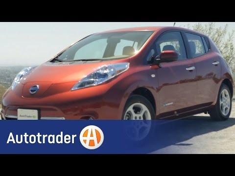 2012-nissan-leaf---hatchback-|-new-car-review-|-autotrader