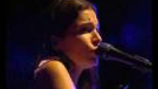 Yael Naim TOXIC LIVE SUPERBE SOUND