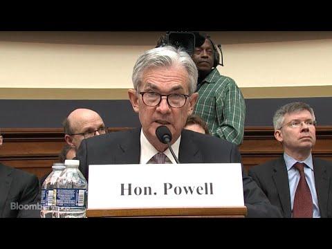 Powell Says Some U.S. Economic Headwinds Are Now Tailwinds