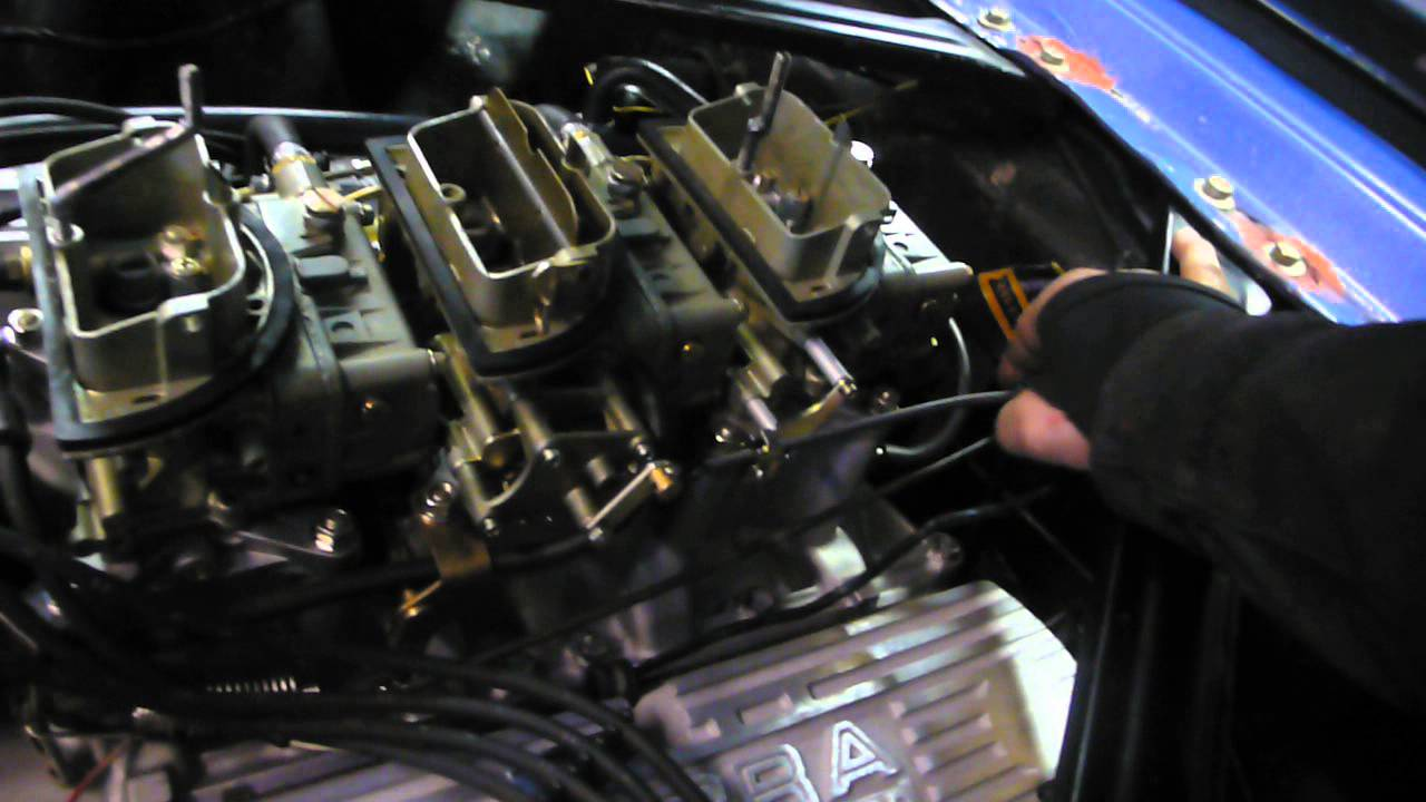 tri power intake on a 289 Ford engine - YouTube