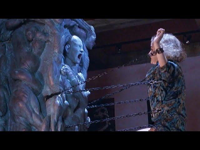 童年陰影恐怖片《養鬼吃人3》,富家公子用活人獻祭雕像,不料卻喚醒了可怕的地獄修道士,釘子頭重生展開殺戮!【小青】