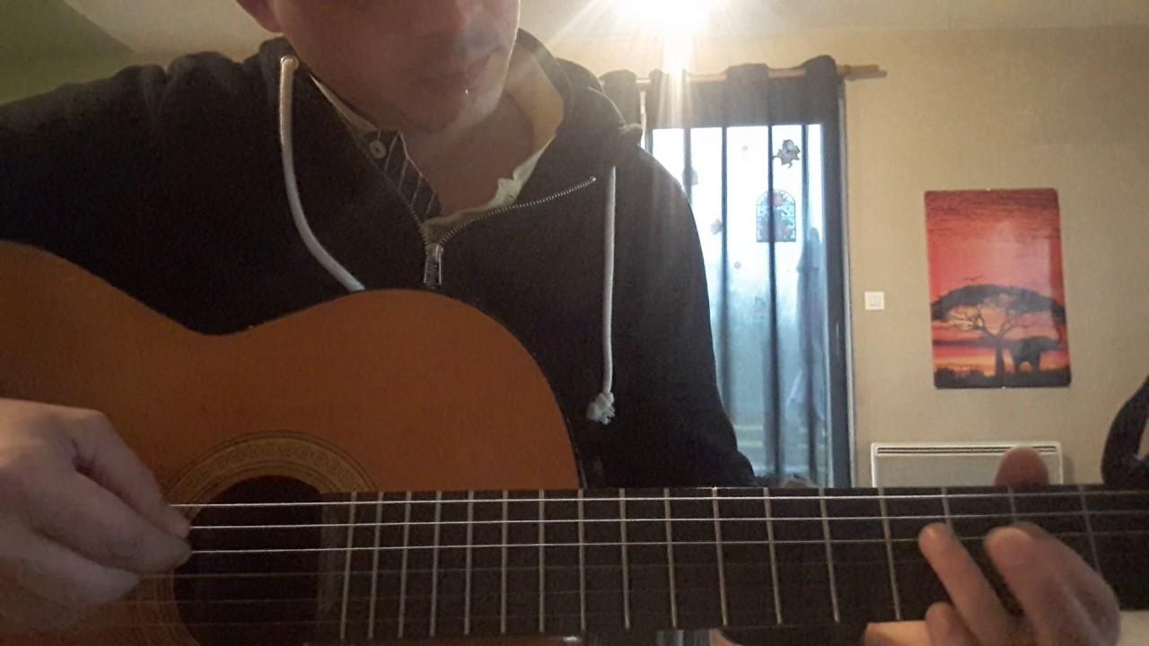 Petit papa Noël guitare - YouTube