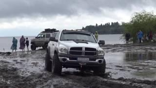 off-road 4x4 Dodge Ram vs Audi
