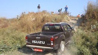 Isuzu V Cross, XUV 500 AWD, Storme 400 4x4, old Endeavour: Take on a climb. 27 11 2016