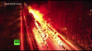 Огненный приём «Зенита»: сотни фанатов клуба зажгли фаеры перед матчем