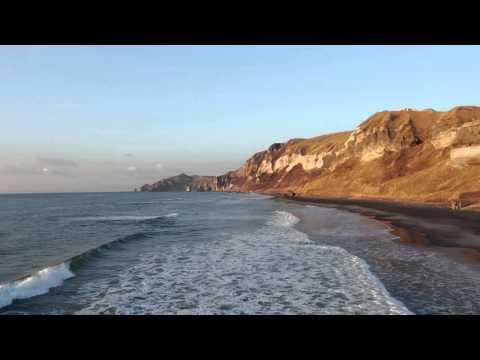 イタンキ浜 by 胆振日高 on YouTube