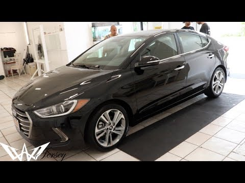 Black 2017 Hyundai Elantra Limited Edition Tinted Polarizador