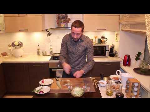Шашлычки с салатом