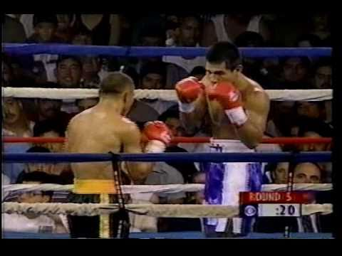 Marco Antonio Barrera vs  Orlando Fernandez
