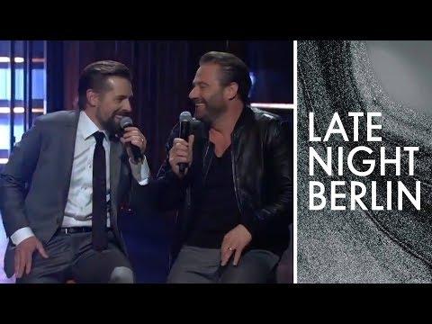 Klaas, Sasha und der Serien-Song | Late Night Berlin | ProSieben
