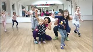 """Cover images Taylor Swift - """"Shake it off"""" Zumba Kids jr. Choreography"""