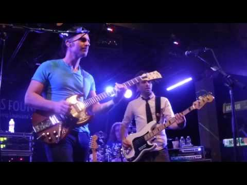 Dweezil Zappa at Tipitina's 2016-11-12 WHAT WILL THIS EVENING BRING ME THIS MORNING?....
