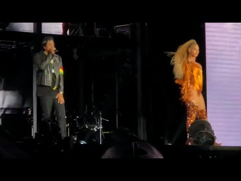 Beyoncé & Jay Z - Black Effect  - On The Run 2 Tour - Chicago Soldier Field