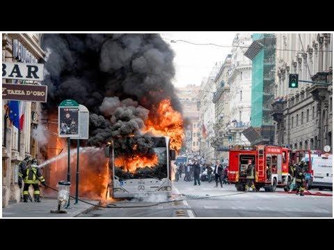 Public bus explodes in Rome's historic centre; no one hurt