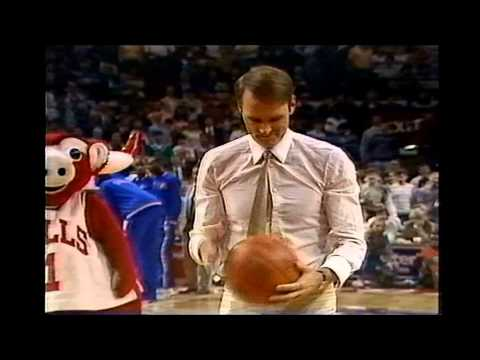 Rick Barry Makes Free Throw With Eyes Shut During Bulls/Cavs Game