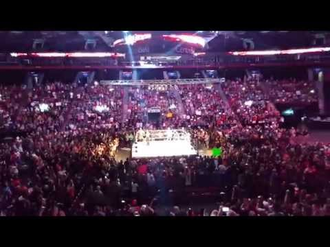 Kevin Owens - Homecoming entrance in Montréal (18 sept. 2015)