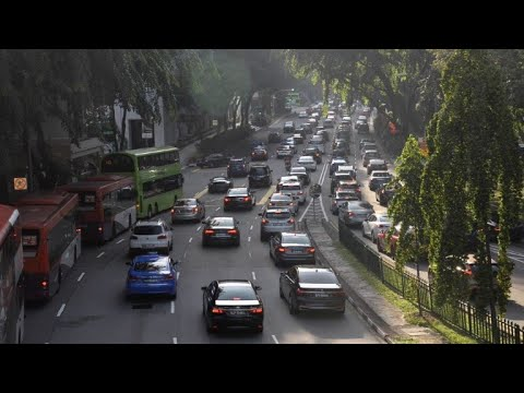 Singapore rolls out tough measures to keep cars off the roads