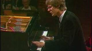 played by Stanislav Bunin at the 1985 Competition where he was also...