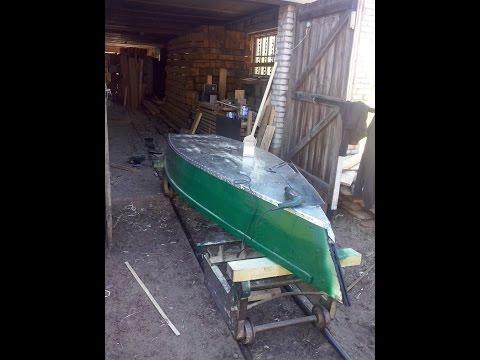 Деревянная лодка из досок и оцинковки
