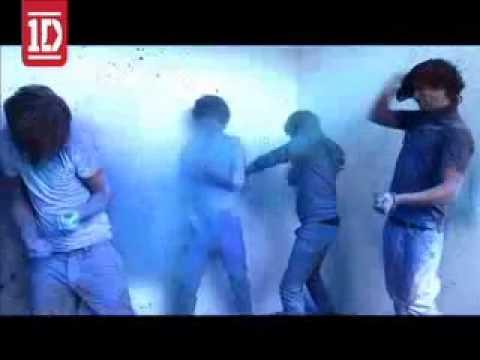 One Direction Paint Powder Fight (Sexy Smirf's)