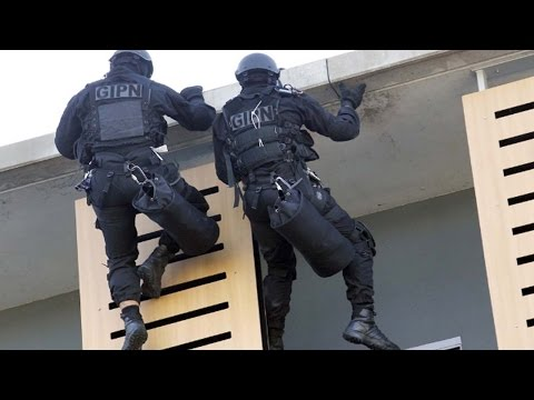 Top 5 Best POLICE FORCE in The World 2017   Highly Trained Police Force - Top List Ever