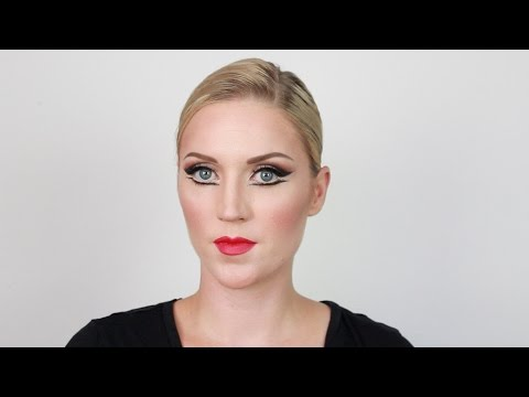 Theatrical Makeup: Contour and Highlight for the Stage
