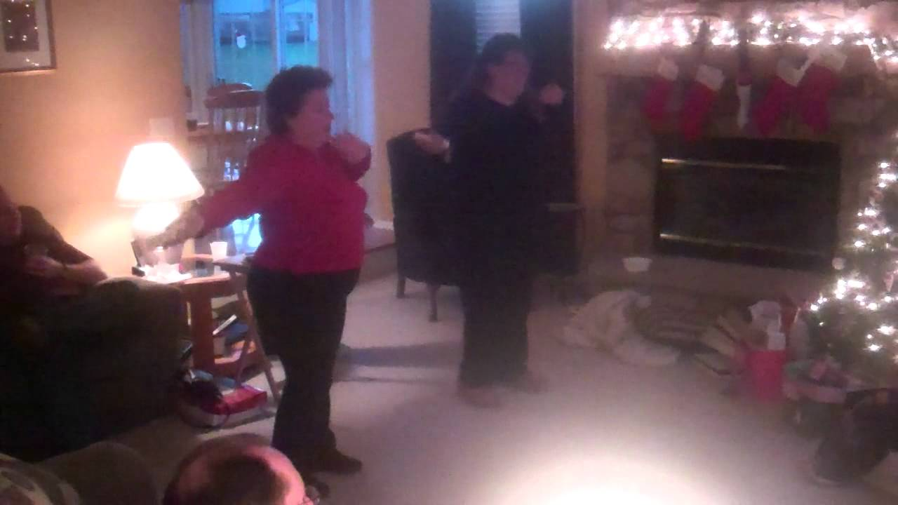 My Mom Aunt Dancing On Just Dance 2 Youtube