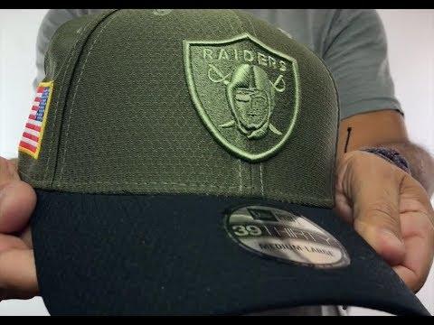 e3ba308c0 Raiders  2017 SALUTE-TO-SERVICE FLEX  Green-Black Hat by New Era ...