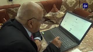 الأستاذ علي صلاح يستغل حظر التجول لإنجاز أبحاثه العلمية (17/4/2020)
