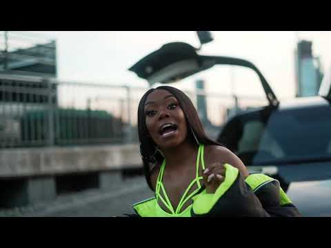 Смотреть клип Lady Leshurr - Your Mr