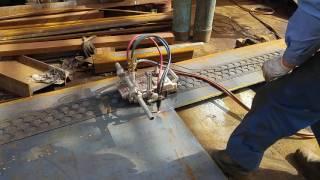 Видео газовой резки листа трактором