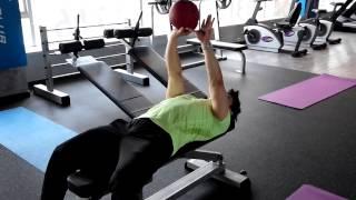 가슴운동 - 가슴 모아주는 운동 견관절 강화 메디신 볼…