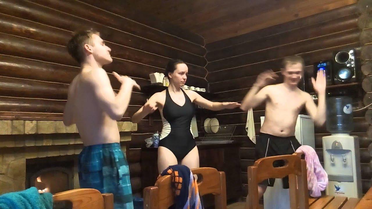 Девишник в бане и мужик видео.