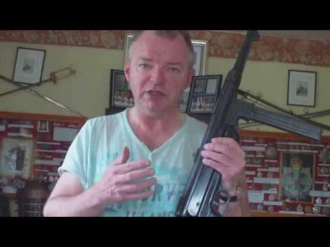 THE DENIX REPRO REPLICA WW2 GERMAN MP40 MACHINE GUN, AN IMPARTIAL REVIEW