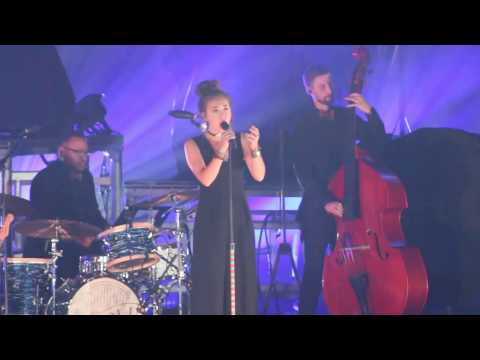 """Lauren Daigle """"O Holy Night"""" Winter Park, FL Christmas Tour With For King & Country"""