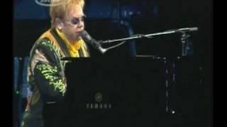 Elton John - Skyline Pigeon (live)
