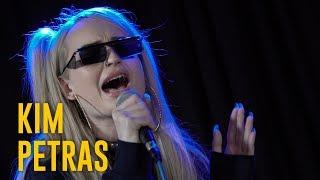 Kim Petras Performs 'Heart To Break'
